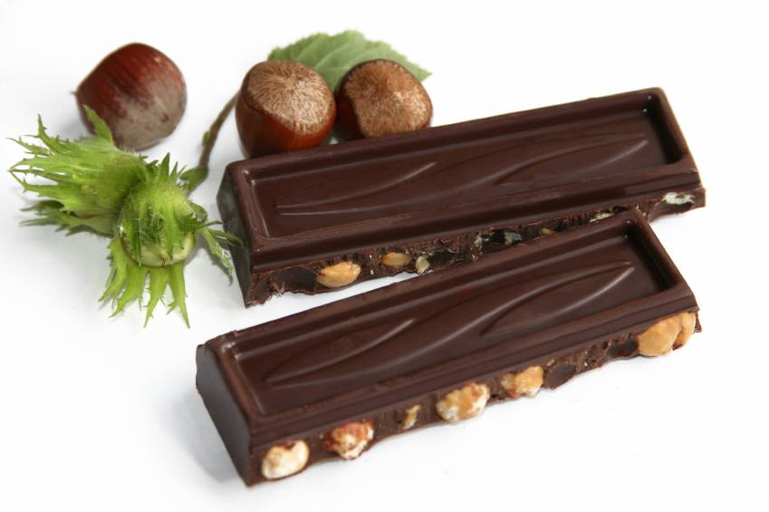 a study on the positive effects of chocolate on the risk of stroke and heart disease The researchers found lower blood pressure due to chocolate consumption at the start of the study explained 12% of the reduced risk of heart attacks and strokes, but even after taking this into.